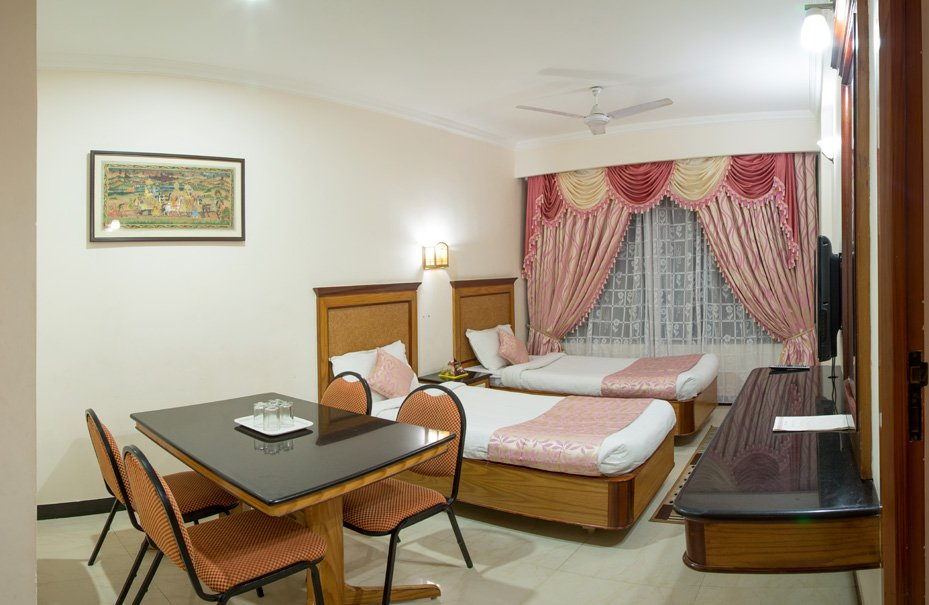 rooms in Tricy