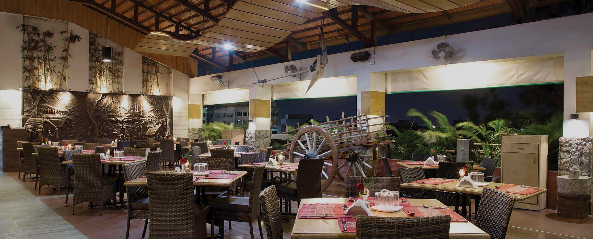 slider-rooftop-thendral-restaurant-ramyas-hotel-trichy-near-bus-stand