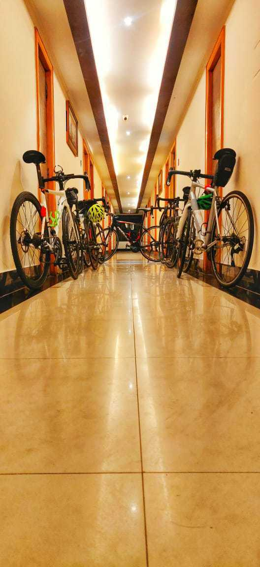600BRM-Cycling-Team-at-trichy-Ramyas-Hotel