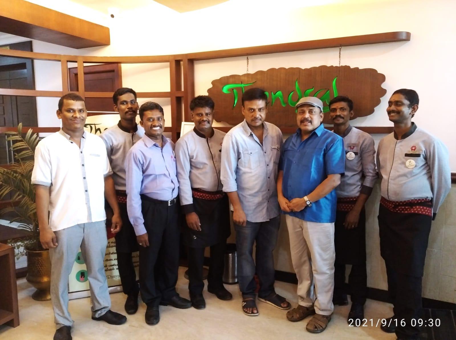 cinema-celebrities-prabhu-solomon-thambi-ramaiah-at-ramyas-hotel