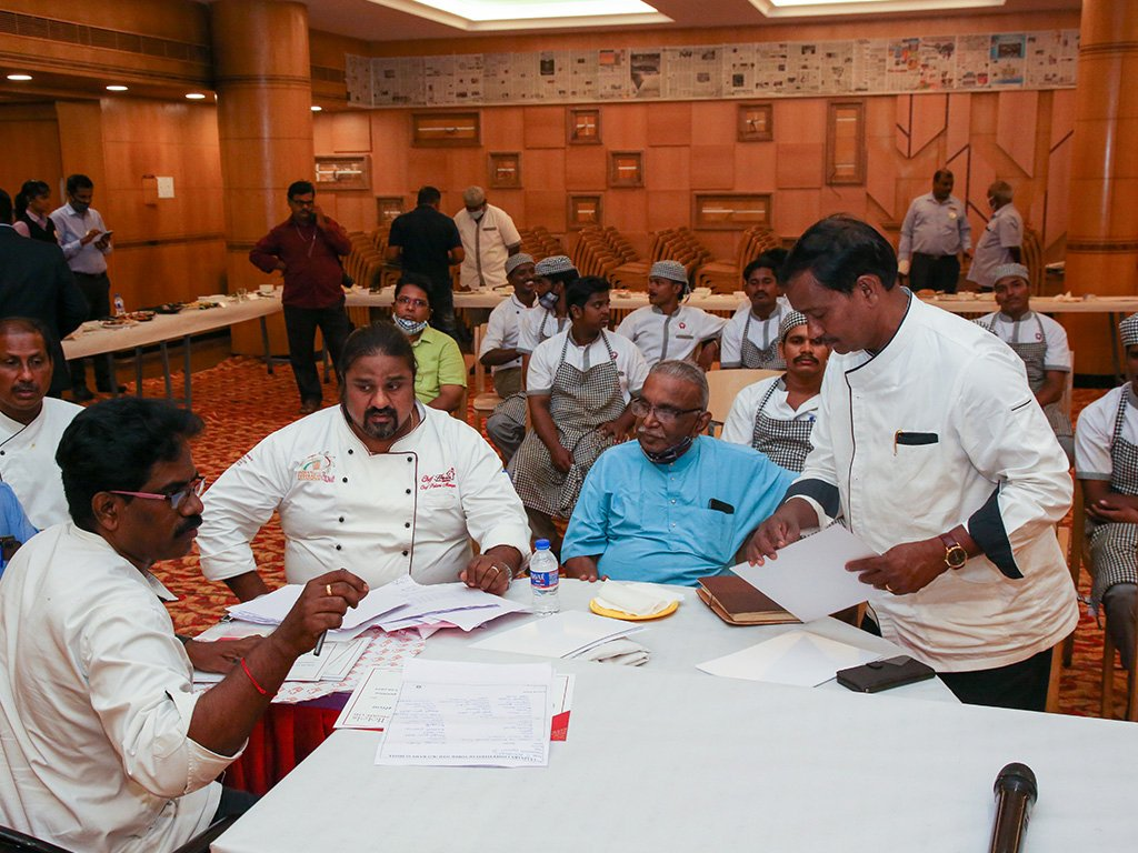 discussion-at-chef-event-ramyas-hotel-trichy