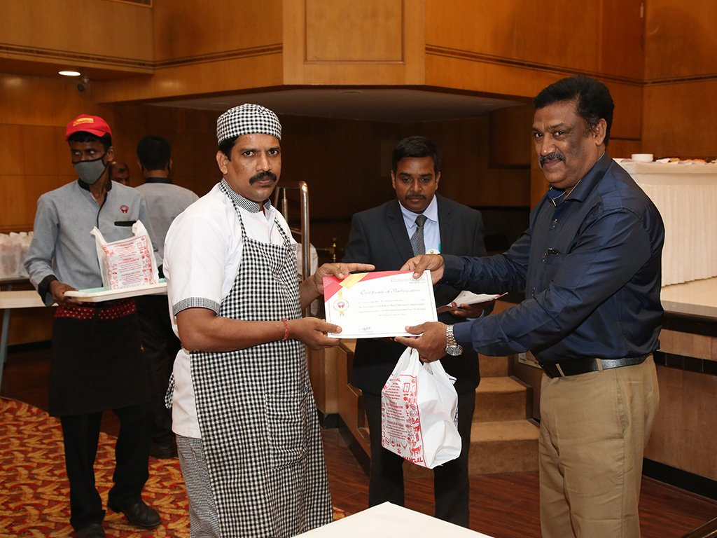 prize-distribution-at-chef-competition-ramyas-hotel-trichy