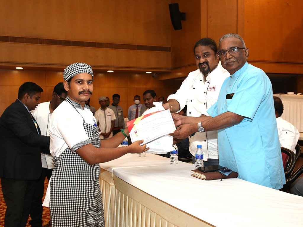 prize-distribution-at-chef-competition-ramyas-hotel